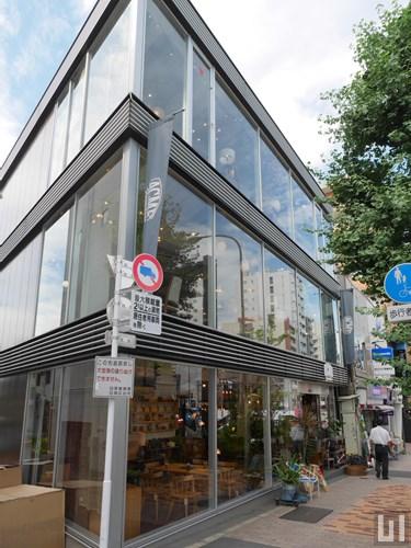 ACME Furniture 目黒通り店
