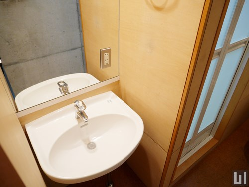 103号室 - 洗面台