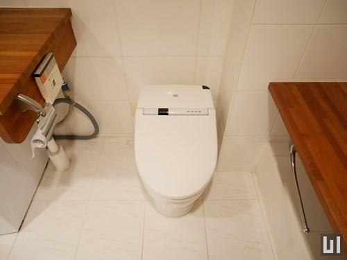 タンクレスタイプのトイレ