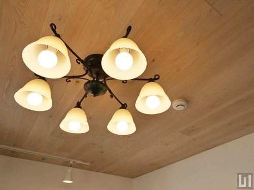 地中海スタイル・01号室 - リビング・照明