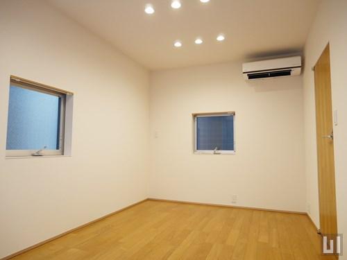 f - 洋室