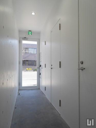 1階に並ぶフリースペース