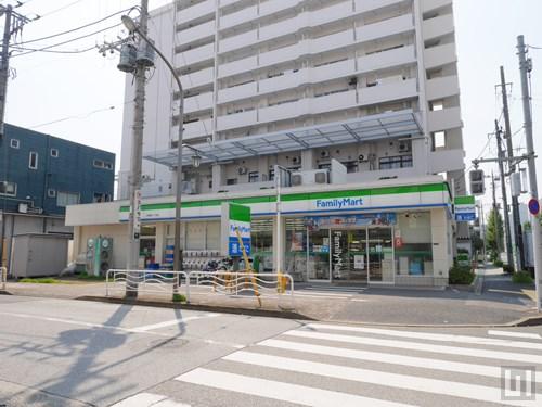 ファミリーマート(マンション向かい)