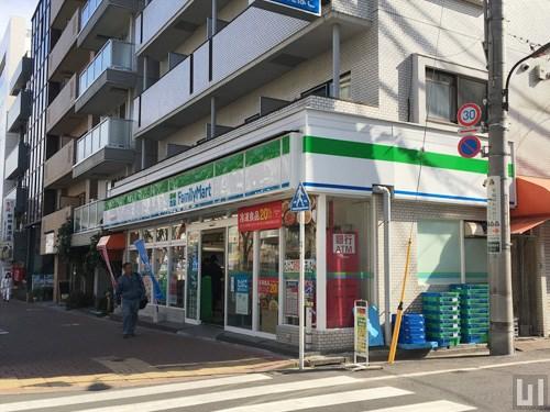 ファミリーマート 早稲田鶴巻町店