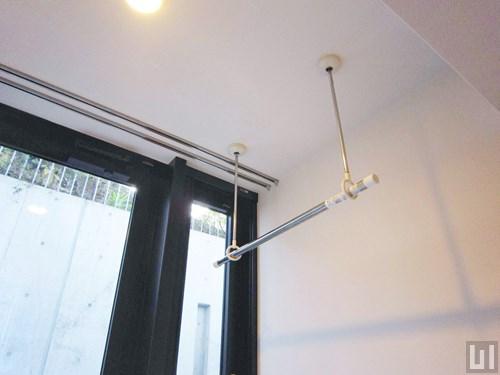 1R 31.98㎡タイプ - 洋室・吊り下げ式物干し