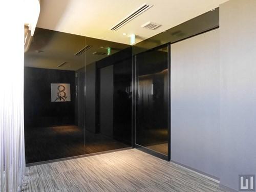 廊下前自動ドア