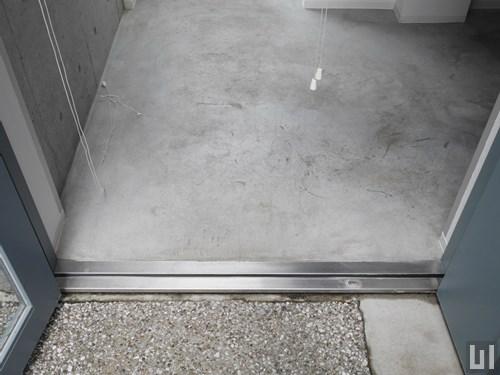 1Rトリプレット 33.34㎡タイプ - 玄関ドア