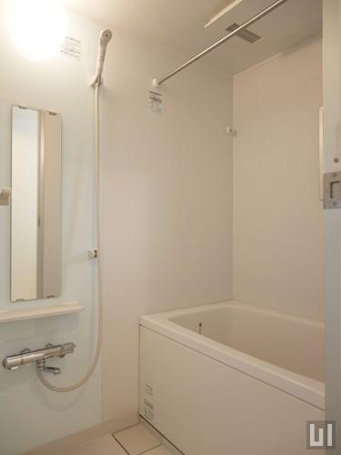B号室 - バスルーム