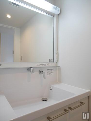 B号室 - 洗面台