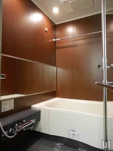 B'タイプ - バスルーム