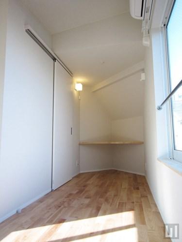 E01号室 - 洋室