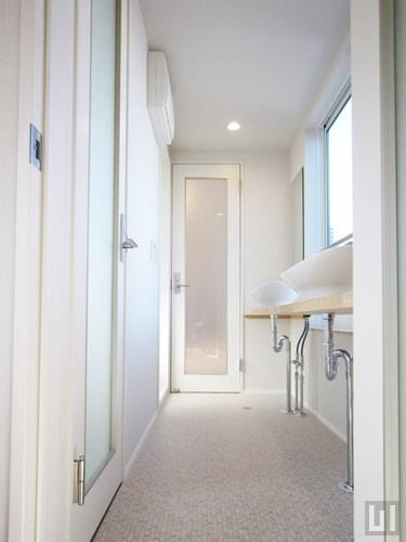 E01号室 - 洗面台