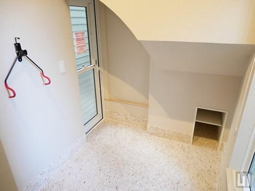 W07号室 - 玄関土間