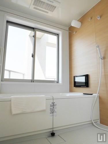 601号室 - 7階バスルーム