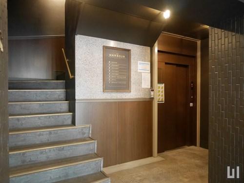 エントランスホール・エレベーター