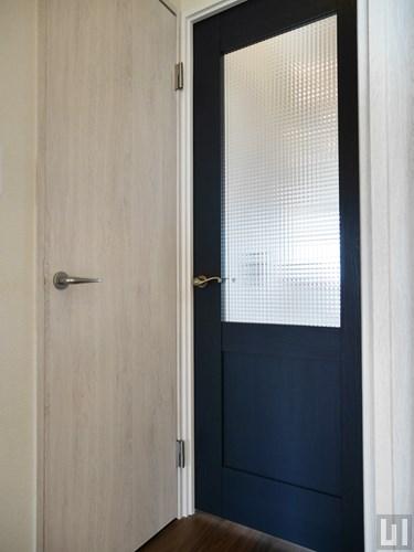 2LDK 60.6㎡タイプ - リビング入り口ドア