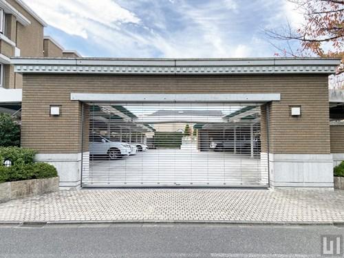 屋根付き平置き駐車場シャッター
