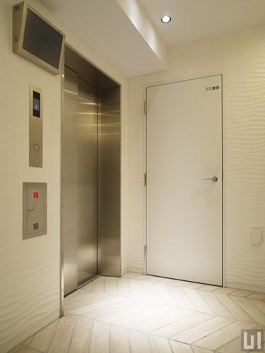 エレベーター・ゴミ置き場