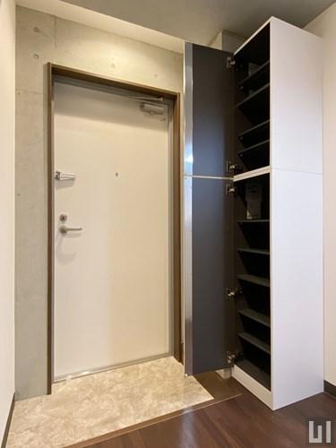 01号室タイプ - 玄関・下足入れ