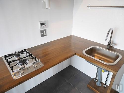 L字型のキッチンは作業スペースが広め