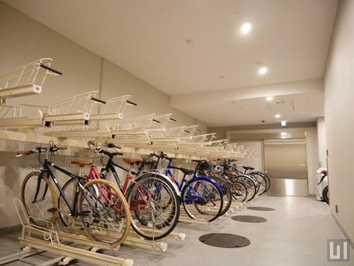 屋内駐輪場・バイク置き場