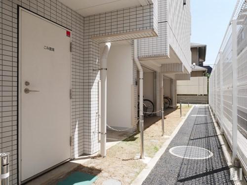 専用ゴミ置き場・駐輪場