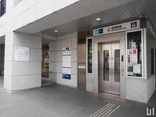 新富町駅 改札階直結エレベーター