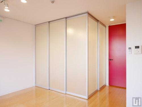 洋室はスライドドアで仕切ります