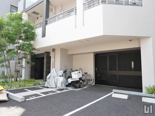 駐車場・バイク置き場・駐輪場