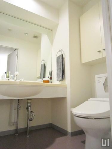 Hタイプ - 1階洗面台・トイレ