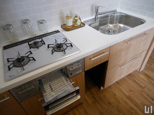 B・モデルルーム - キッチン
