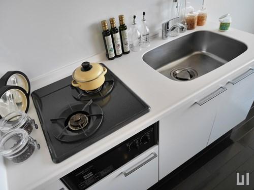Bタイプ・モデルルーム - キッチン