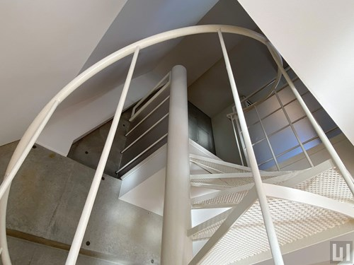 Mタイプ - 洋室・階段