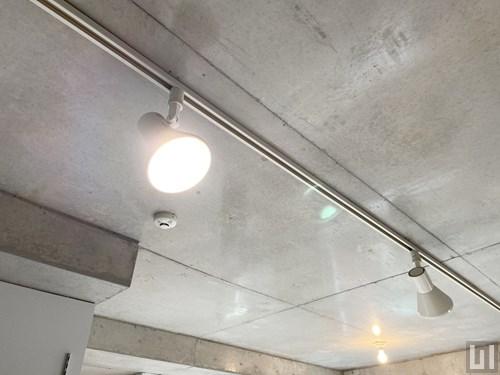 Bタイプ - 洋室・照明