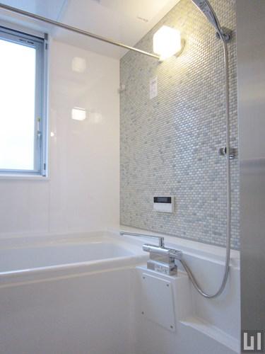 02号室 - バスルーム