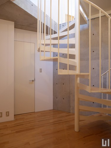 702号室 - 玄関