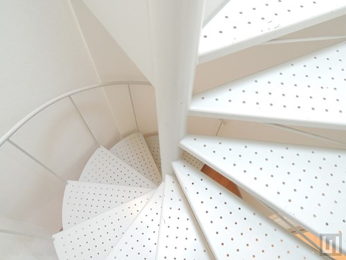 2LDKメゾネット 67.4㎡タイプ - 階段