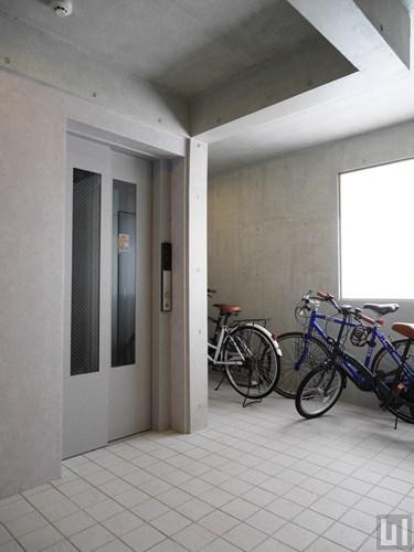 エレベーター・駐輪場