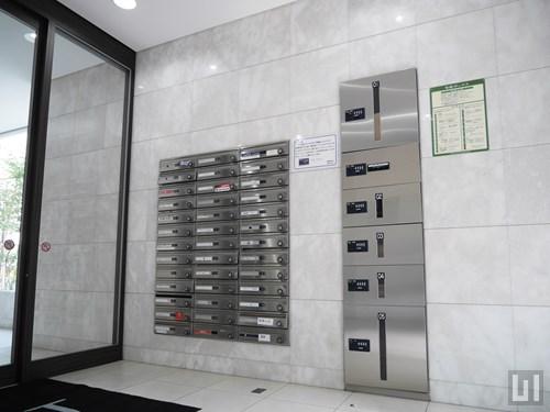 VORT恵比寿Dual'sのエントランス前設置の宅配ボックス