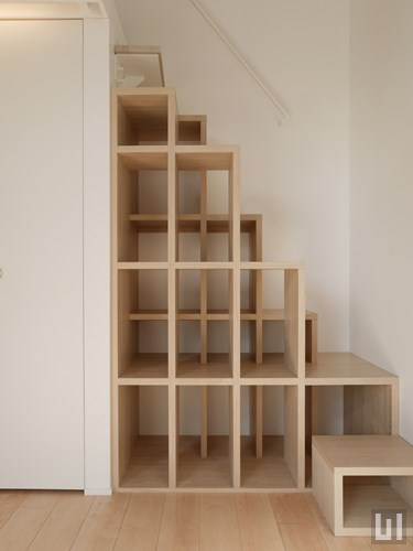 Cタイプ - 階段兼収納棚